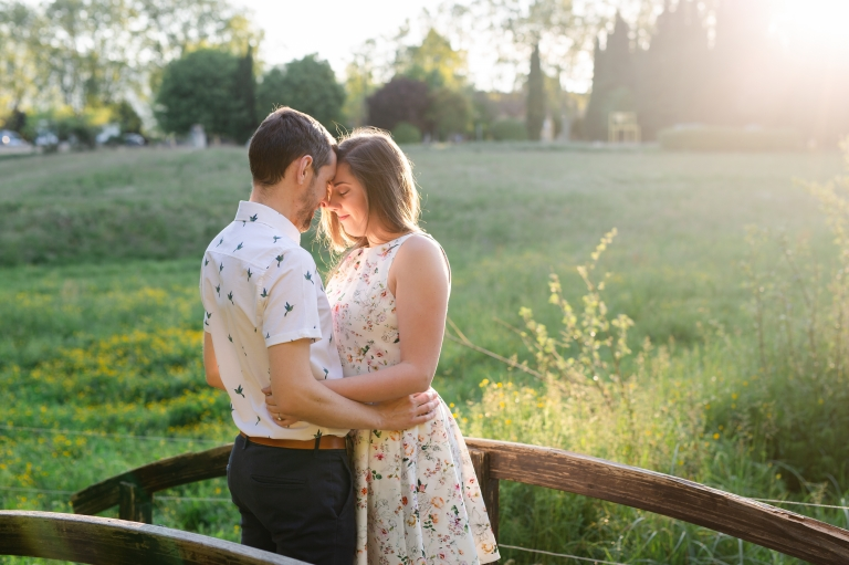 séance engagement couple Lourmarin Luberon Provence